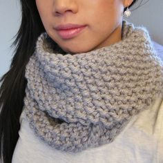 Free+Knitting+Pattern+-+Scarves:+December+Seed+Stitch+Infinity+Circle+Scarf