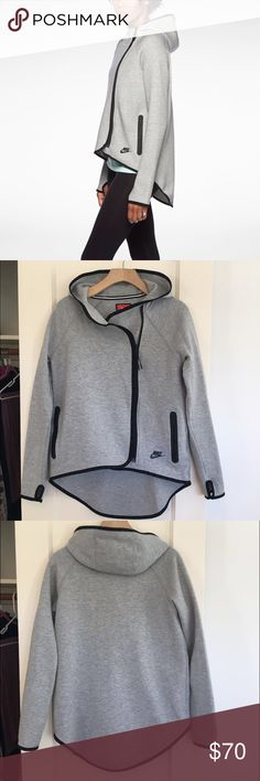 Nike Tech Cape Selling on the Nike website for $130 | Like new | Style# 669613 Nike Jackets & Coats Capes