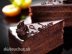 Sacherova torta - Pôvodná viedenská čokoládová torta s marhuľovým džemom je jedným zo symbolov Viedne. Autorom receptu je Franz Sacher...
