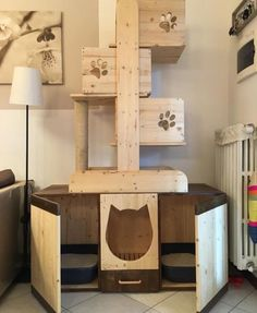 Free cat tree plans and cat furniture ideas to help you build a cool cat room for your kitties to keep them happy, healthy and out of trouble. Diy Litter Box, Hidden Litter Boxes, Kitty Litter Boxes, Enclosed Litter Box, Cat Tree Plans, Diy Cat Tree, Wooden Cat Tree, Wood Tree, Cat Towers