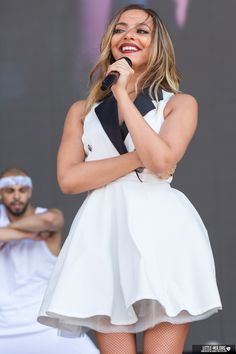 Jade Thirlwall performs live at the inaugural Billboard Hot 100 music festival at the Nikon at Jones Beach Theater in Wantagh, New York Jade Little Mix, Little Mix Jesy, Little Mix Girls, Jade Amelia Thirlwall, Litte Mix, Jesy Nelson, Wattpad, All About Fashion, My Girl