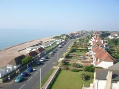 West Parade Bexhill on Sea (C) susan collins Show Runner, Susan Collins, Rooftop, Brighton, Dolores Park, Places To Visit, Sea, Travel, Beautiful