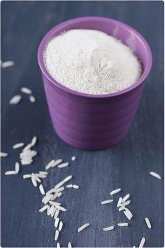 farine-riz C est la farine idéale de substitution de la farine de blé . Au goût très discret, on peut l'utiliser dans toutes les pâtisseries sans en modifier les saveurs. Elle a également la particularité d'être très légère et se digère facilement. Faites votre choix entre de riz blanc, riz complet,de riz semi-complètes.Elles s'utilisent de la même façon.