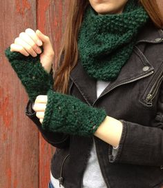 Chunky Green Wool Fingerless Mittens by LaceyDaisyKnits on Etsy