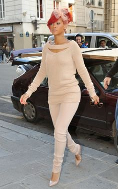 Love the outfit Rih <3