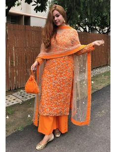 Indian Fashion Dresses, Dress Indian Style, Indian Outfits, Abaya Fashion, Indian Wear, Women's Fashion, Fashion Trends, Designer Party Wear Dresses, Kurti Designs Party Wear