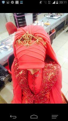Gelin basi Hijab Bride, Scarf Design, Hijab Fashion, Day Dresses, Muslim, Scarves, Dressing, Leather Jacket, Hijab Styles