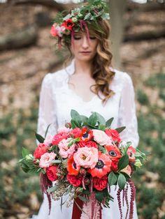 'Love Letter' - An Enchanting Woodland Bridal Shoot - Chic Vintage Brides Poppy Flower Bouquet, Bridal Bouquet Pink, Flower Bouquet Wedding, Gold Wedding Theme, Dream Wedding, Wedding Dreams, Wedding Stuff, Poppy Red Wedding, Chic Vintage Brides