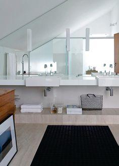Projeto por Francisco Calio, vencedor na categoria Residencial em 2013.
