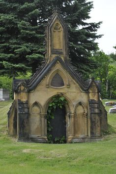 Tomb - Holy crap...that is in Rose Hill in Cumberland, MD!!!
