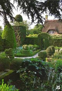Hidcote Manor - Hidcote Bartrim, Gloucestershire, England. Created by an…