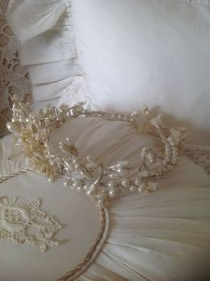 ancienne couronne de mariee French Vintage, Marie, Pearl Necklace, Pearls, Jewelry, Fashion, Bridal Crown, String Of Pearls, Moda