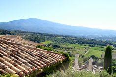 On poursuit notre petit tour gourmand du sud de la France. Après les bouchons lyonnais, place aujourd'hui à la Drôme provençale et à la riche région du Ventoux, entre petit épeautre de Sault, cerises du Comtat, porc du Ventoux, gigondas et autres vacqueyras!