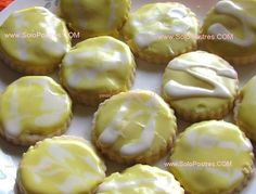 When boredom strike, baking cookies is a great thing to do. So if you had a boring day today, make some noise in your kitchen of trying this easy Lemon Melts, a cookies that will really melt in your mouth and want it for more. Lemon Desserts, Cookie Desserts, Fun Desserts, Cookie Recipes, Cookie Bars, My Favorite Food, Favorite Recipes, Personal Recipe, No Bake Cookies