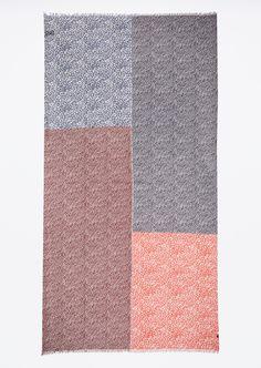 Sjaal  Description: De zachte sjaal is bedrukt met een kleurrijke allover print. De haptiek is glad en zacht.  Price: 29.90  Meer informatie  #Marc OPolo