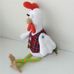 Let's crochet a funny rooster wearing cute vest and striped stockings :D The size of finished toy is about 35 cm. Follow this free crochet pattern!