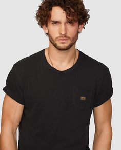Camiseta de hombre de manga corta negra