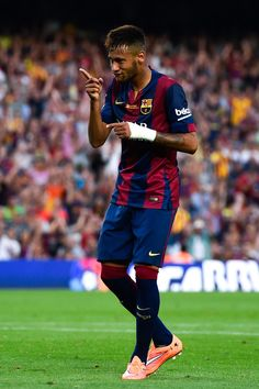 Neymar Photos - Neymar of FC Barcelona celebrates after scoring his team's fifth goal during the La Liga match between FC Barcelona and Granada CF at Camp Nou on September 2014 in Barcelona, Spain. - FC Barcelona v Granada CF - La Liga Messi Y Neymar, Neymar Pic, Lionel Messi, Barcelona Website, Barcelona Team, Barcelona Catalonia, World Football, Sport Football, Granada Cf