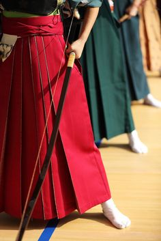 thekimonogallery: Kyudo archery, Japan. Photography by Teruhide Tomori on Flickr.