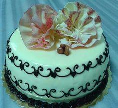 Pastel de chocolate blanco