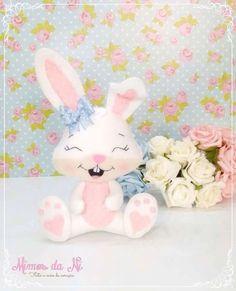 I Love Craft: Bunny with mold Felt Diy, Felt Crafts, Diy And Crafts, Crafts For Kids, Felt Animal Patterns, Stuffed Animal Patterns, Diy Bebe, Diy Ostern, Felt Fabric
