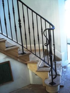59 Ideas Wrought Iron Stairs Railing For Outside Stair Railing Ideas ideas iron railing Stairs Wrought Metal Handrails For Stairs, Iron Handrails, Wrought Iron Stair Railing, Stair Handrail, Wrought Iron Fences, Staircase Railings, Concrete Stairs, Banisters, Staircases
