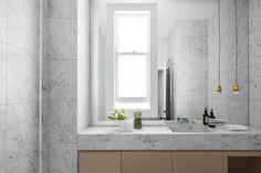 #tonkaandjelkovicdesign #tonkaandjelkovicdesignresidential #architecture #interiordesign #interiorstyling #residentialdesign #luxury #bathroom #marble #lighting #timber