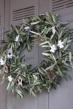 Regards et Maisons: Paix , olivier et couronne de Noël - DIY -