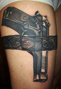 What does garter tattoo mean? We have garter tattoo ideas, designs, symbolism and we explain the meaning behind the tattoo. Sexy Tattoos, Bild Tattoos, Badass Tattoos, Body Art Tattoos, Garter Tattoos, Gun Tattoos, White Tattoos, Arrow Tattoos, 1 Tattoo