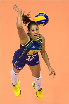 WORLD WOMEN-the Brazil spared holders, but has won Cameroon with superiority by 3 sets to 0 (25x14, 25x15 and 25x18) on Palatrieste Arena. The biggest scorer of the game was the tip Natalia with 18 points, four of them of looting. The Brazil leads the group with six points and plays on Thursday (25.09) against Canada at 05:30 with live broadcast by SporTV. Let's hope for our #MeninasdeOuro Now #ÉaNossaVez in search of the #FIVBWomensWCH