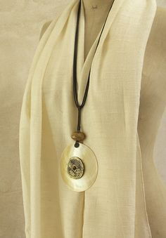 Amalthee Creations | Mother pearl Necklace made of mother of pearl and ancient coin