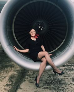 A woman should be two things; classy and fabulous ❤✈ Airline Attendant, Flight Attendant, Airline Uniforms, Gorgeous Women, Beautiful, Stocking Tops, Girls Uniforms, Pantyhose Legs, Sexy Older Women
