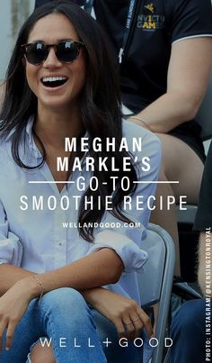 Meghan Markle Smoothie 1 packet of your shake powder of choice (Markle uses Clean Cleanse vanilla) cup of frozen blueberries 1 tsp of cinnamon Some chia seeds cup almond milk cup coconut water Smoothie Prep, Smoothie Drinks, Detox Drinks, Smoothie Recipes, Smoothie King, Superfood Recipes, Smoothie Cleanse, Juice Recipes, Detox Recipes