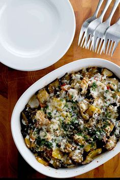 eggplant casserole is veggie-packed and so delicious. Great as a light dinner or as a side dish!This eggplant casserole is veggie-packed and so delicious. Great as a light dinner or as a side dish! Vegetable Side Dishes, Vegetable Recipes, Vegetarian Recipes, Chicken Recipes, Cooking Recipes, Healthy Recipes, Healthy Eggplant Recipes, Stuffed Eggplant Recipes, Italian Eggplant Recipes
