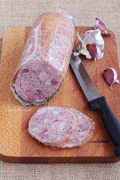 Wiem co jem: Kiełbasa parzona z golonki Sausage Recipes, Pork Recipes, Cooking Recipes, A Food, Good Food, Food And Drink, Home Made Sausage, Polish Recipes, Polish Food