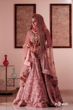 Pakistani Fashion Party Wear, Pakistani Bridal Dresses, Pakistani Dress Design, Bridal Hijab Styles, Indian Bridal Outfits, Wedding Lehenga Designs, Designer Bridal Lehenga, Fancy Dress Design, Bridal Dress Design