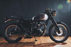 Kawasaki_W650_Motorcycle_7.jpg 2000 × 1333 pixlar