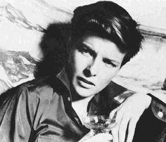 Katharine Hepburn: Drag King
