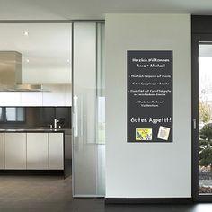 Bei Amazon günstig zu kaufen: Selbstklebende und magnetische Vinyl- Tafelfolie in verschiedene Größen | Kreidetafelinkl. 2xKreide | Kreidetafel | Wandfolie grau (50x100cm)