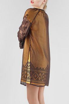 Сукня HRW-DR30 - унікальний вишитий одяг від студії