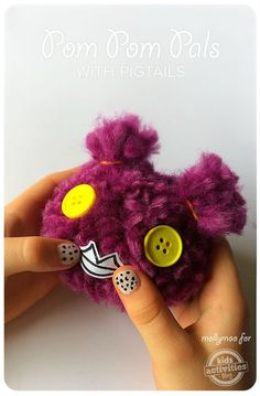 How to easily make your very own pom pom pals!