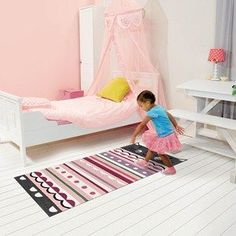 Complete your kid bedroom decoration with the exclusive rugs from Circu. Go to circu.net to discover more inspirations