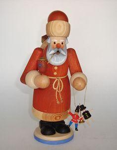 Erzgebirgische Volkskunst  Santa Claus  Made in German Democratic Republik