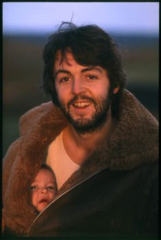 Paul and Mary, Scotland, 1970  photos by Linda McCartney