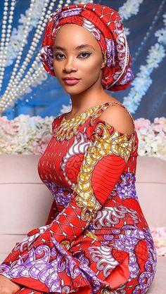 Hottest Kente Styles For Celebrities African Dresses For Women, African Print Dresses, African Print Fashion, Africa Fashion, African Fashion Dresses, African Attire, African Wear, Ethnic Fashion, African Women