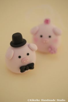 Pig and Piget wedding cake topper by MochiEgg on Etsy, $65.00