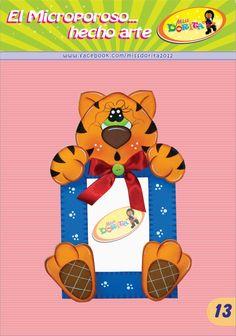 Portafoto Tigre #goma #eva #foami #manualidades #hacer #moldes #plantilla #patrones #fieltro Corpus Christi, Bart Simpson, Lily, Country, Instagram, Classroom Displays, Cool Things To Make, Gardens, Tips And Tricks