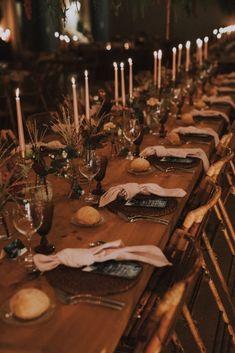 Le mariage espagnol de Sabela et René – La Sœur de la Mariée - Blog Mariage Marie, Table Settings, Candles, Wedding, Boho Wedding, Spanish Wedding, Industrial Wedding, Folk Dance, Valentines Day Weddings