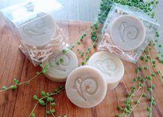 Great use with our Ayurveda Shampoo bar(Original or Henna) Vegan Soap, Manuka Honey, Shampoo Bar, Hair Conditioner, Handmade Soaps, Ayurveda, Henna, Natural, Hair Rinse