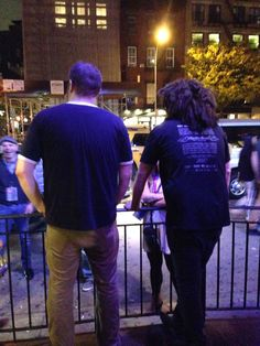 Adam Duritz getting some fresh air outside Bowery Electric, NYC.